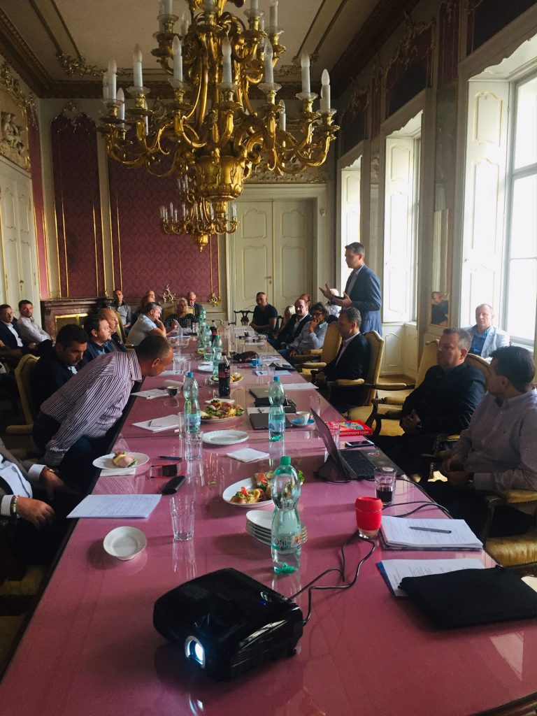 První členská schůze APPU v Kaunickém paláci